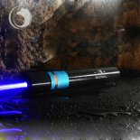 Uking ZQ-J10 4000mw 473nm blaue Lichtstrahl Single Point Zoomable Laser-Pointer Pen Kit Schwarz