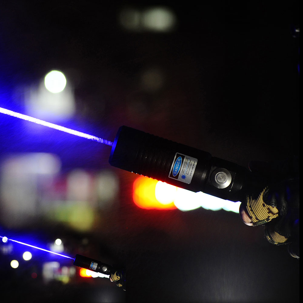 Uking ZQ-J9 8000mW 445nm blaue Lichtstrahl Single Point Zoomable Laser-Pointer Pen Kit Schwarz