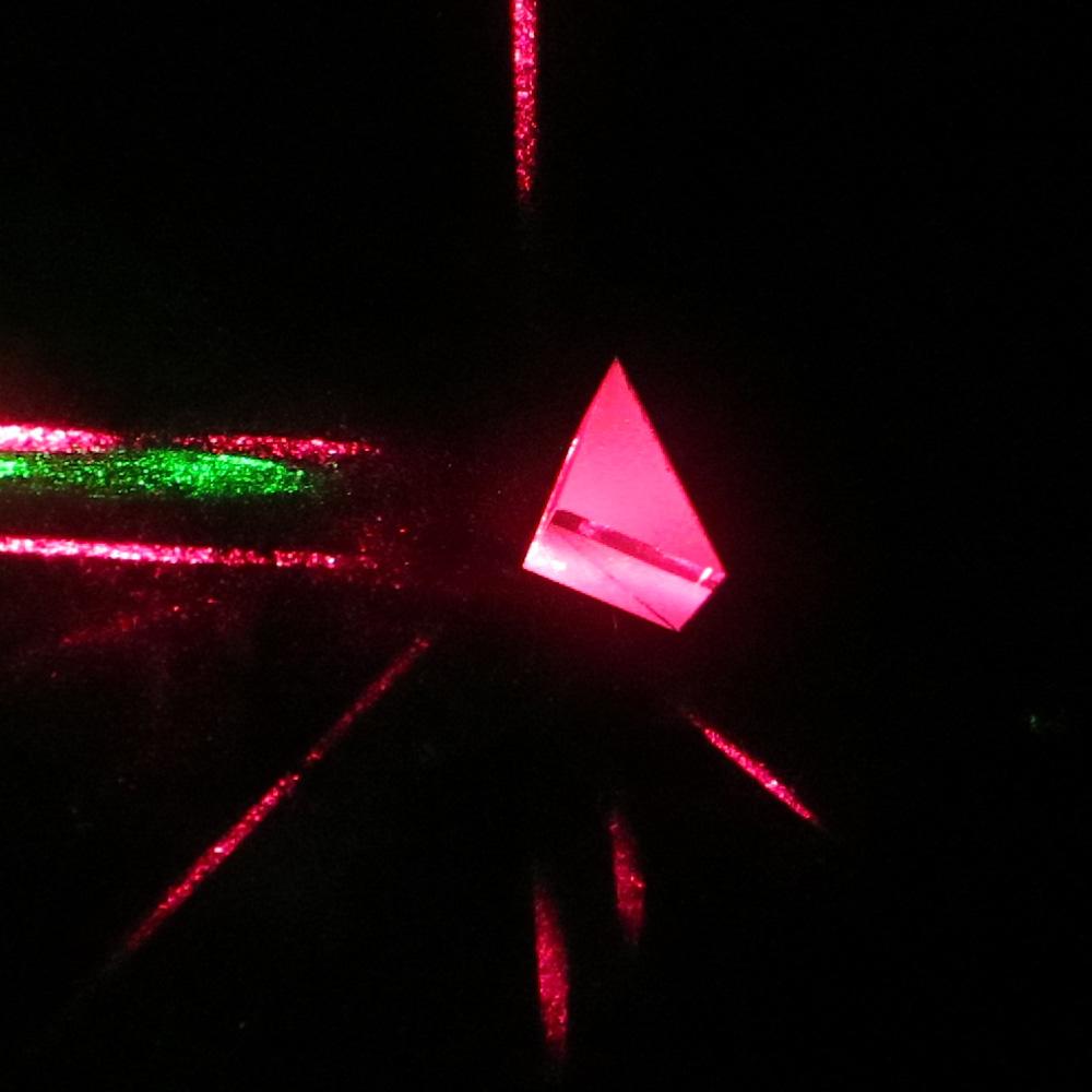 Isosceles right angle three prism Glass