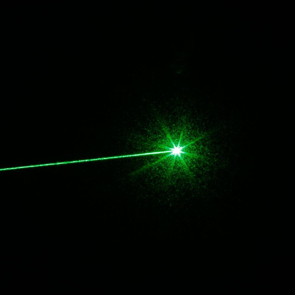 500mW 532nm grüner Strahl Single-Point-Aluminium-Laserpointer-Kit mit Akku und Ladegerät Silber