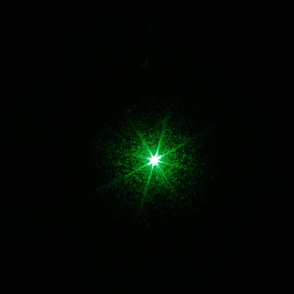 5mW 532nm Focus Green Beam Light Laser Pointer Pen com 18650 Bateria recarregável preta